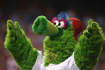 http://blog.pslawnet.org/wp-content/uploads/2012/08/phillie-phanatic.jpg